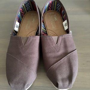 TOMS Women's Ash Canvas Classic Slip-on Shoes